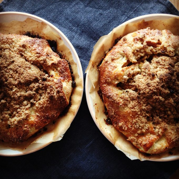 Thanksgiving holiday apple pie